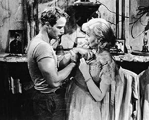 MARLON BRANDO AS STANLEY KOWALSKI, VIVIEN LEIGH AS BLANCHE DUBOIS FROM A STREETCAR NAMED DESIRE #1 - Photo cinématographique en noir et blanc- AFFICHE - 60x50cm