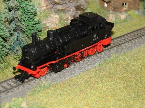 Mrklin-Dampflok-BR-74-der-DB-aus-29166-NEU