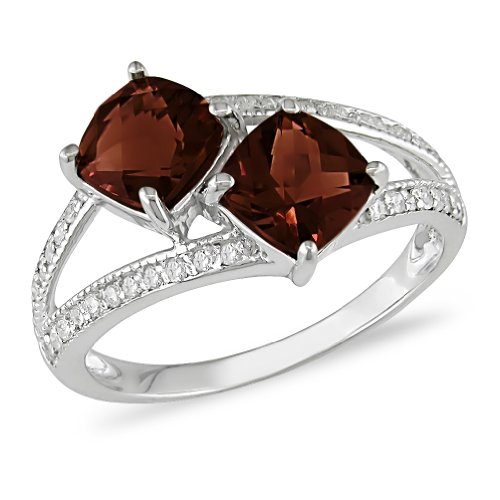 Sterling Silver Garnet and Diamond Ring,( .1 cttw, G-H Color, I3 Clarity)