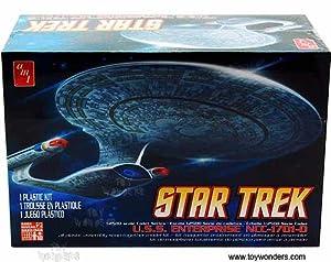 Round 2 AMT Cadet Series - Star Trek U.S.S. Enterprise NCC-1701-D (1/2500 scale model) AMT662 snap together model kit