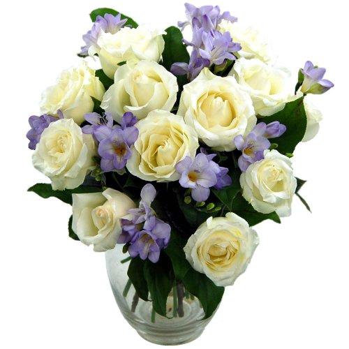 clare-florist-impresionante-amatista-ramo-con-la-entrega-gratuita-rose-fresca-y-flores-freesia-perfe
