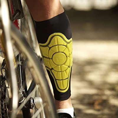 G-Form Shin Guard, Pair (Small (12.0 - 13.5 in)) by G-Form