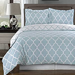 Amazon.com - Blue and White Meridian 4pc Full / Queen