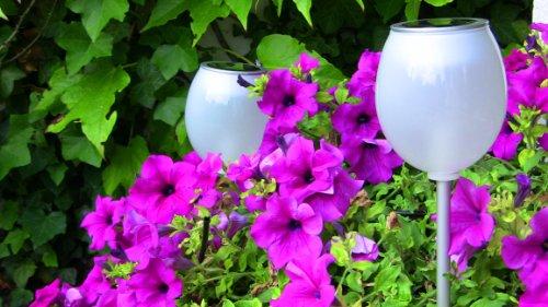 "Designer LED Solarlampe ""KUGELFISCH"" Solarleuchte, Solar LED Leuchte, Solar LED Lampe, Gartenlampe, Gartenleuchte, Solar Laterne, Aussenleuchte, Stecklampe, Solar Garten Licht, Gartenstrahler – ideal als Gartenbeleuchtung"