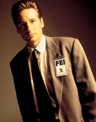 X-Files Agent Fox Mulder Standing Pose Cult Favorite Sci Fi Action TV Television Show Rare Vintage Original Closeout Stock Print Poster 11x14