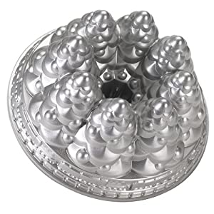 Nordic Ware Holiday Tree Bundt Pan