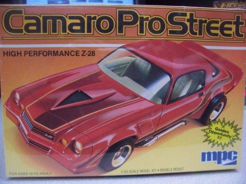 MPC 1-0759 1982 Camaro Pro Street 1/25 Scale Plastic Model Kit
