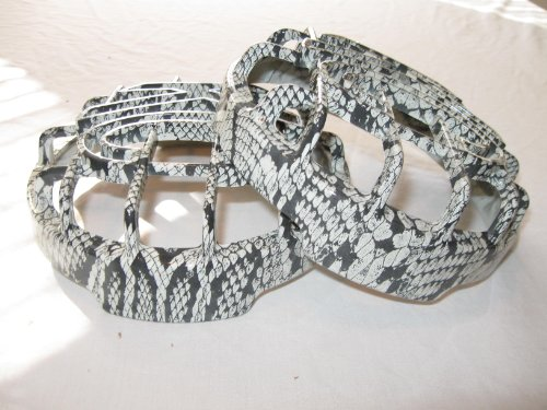 """Kc Light Cover, Kc Hilites 6"""" Grill Guards In White Snake Skin (Not For Apollo)"""