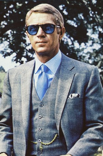Steve-Mcqueen-24×36-Poster-in-blue-suit-and-classic-blue-Persol-sunglasses-Thomas-Crown-Affair