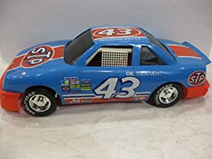#43 Richard Petty NASCAR Pontiac STP Racing Team (rounded front end) Super Size Plastic Race Car Masters Of Racing Series By American Plastic Toys, Inc. (not in box)