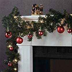 Die perfekte Dekoration für die Weihnachtszeit!  Diese dekorative und vielseitig nutzbare Tannengirlande ist ein großartiger Blickfang. Sowohl die Girlande als Ganzes als auch die einzelnen Tannenzweige lassen sich beliebig biegen und formen. Die ca....