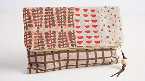 screen-print-fabric-and-sew-a-clutch