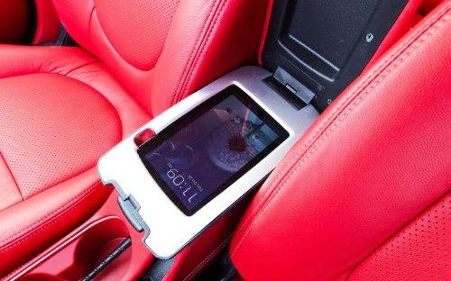 classic-car-e-muscle-pubblicitari-e-con-forte-per-auto-2012-kia-cyborg-poster-con-stampa-artistica-1