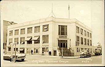 city hall medford oregon original vintage postcard at amazon 39 s entertainment collectibles store. Black Bedroom Furniture Sets. Home Design Ideas