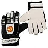 Manchester United F.C. Goalkeeper Gloves Kids- kids goalkeeper gloves- latex foam palm- lightweight foam backing- elastic strap for secure fit- to fit average 7 to 9 years- in a full colour grip seal bag- Official Football Merchandise