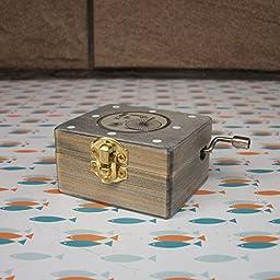 YONG Vintage music box creative arts and crafts ornaments