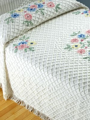 queen floral bouquet chenille bedspread my chenille bedspread looked a ...