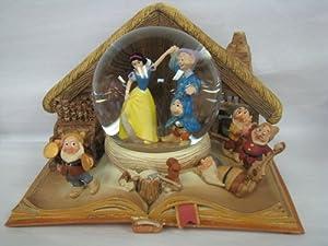 Hallmark Disney Collection CLX2004 Snow White Water Globe by Hallmark
