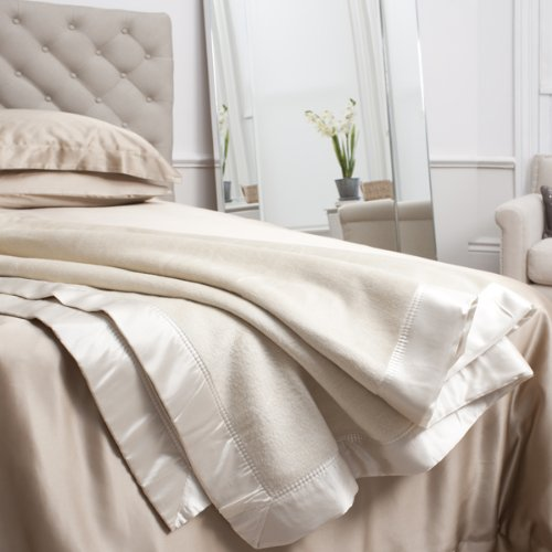 Pure Mulberry Silk Blanket / Throw Double (225 x 240cm) - IVORY