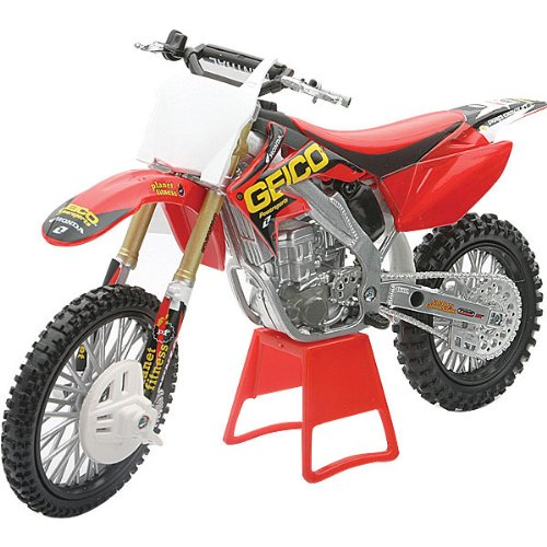 New Ray Honda GEICO 2010 CRF250R 4 Rider Team with Plate Kit Replica Motorcycle Toy - Red with Graphics / 1:12 Scale