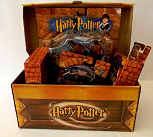 Harry Potter Gift Set Treasure Chest of Toys