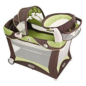 Graco Modern Pack 'n Play Playard with Bassinet & Changer in Zurich