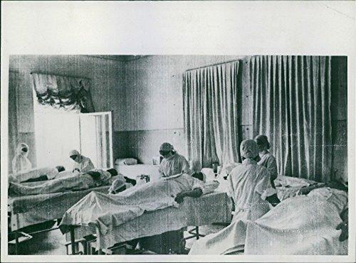 vintage-foto-de-patriots-dan-de-sangre-para-el-tratamiento-de-heridos-sovietica-rojo-army-men