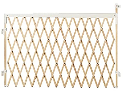 Munchkin Wide Spaces Expanding Gate, Light Wood