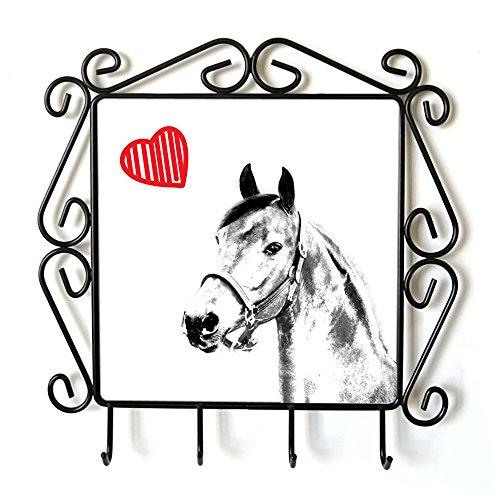 Morgan Cavallo, Appendiabiti con l'immagine di un cavallo e cuore