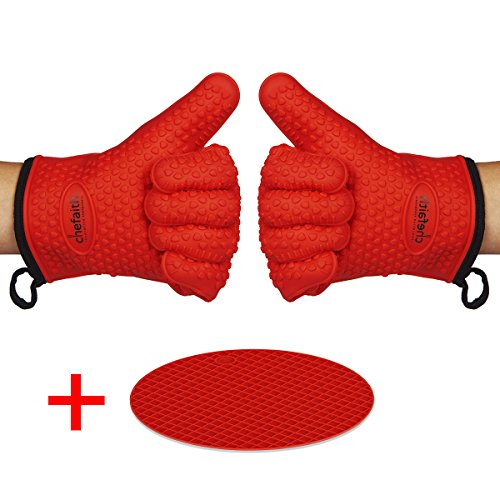 Chefaith Silicone Kitchen Gloves [Fabric Lining / Inner Cotton Layer] for Cooking, Baking, Barbeque, Grilling [Free Pot Holder as Bonus]- Heat Resistant (Up to 480°F) Oven Mitts, Best Protection Ever (Oven Safe Small Pot compare prices)