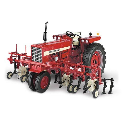 Comparamus Farmall Diecast Tractor Farmall 544 Gas
