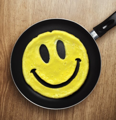 Fred-Friends-CRACK-A-SMILE-Smiley-Face-Breakfast-Mold