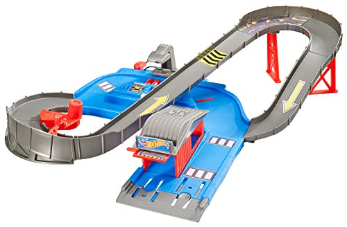 Hot-Wheels-City-Speedway-Playset-with-Vehicle