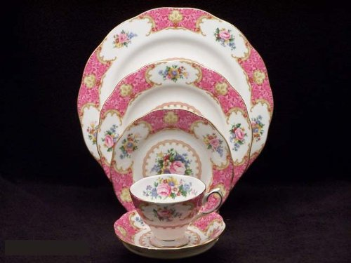 Royal Albert Lady Carlyle Vintage Rose Fine Bone China 5-Piece Place Setting by Royal Doulton
