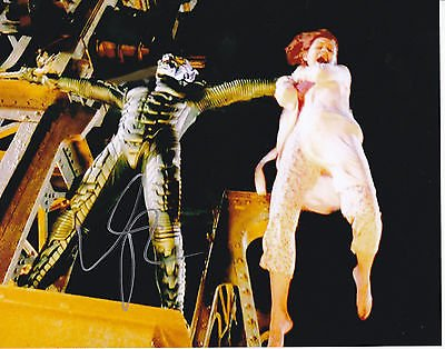 Willem Dafoe signed Spider Man 8x10 photo W/Coa Green Goblin Norman Osborne #2