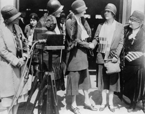 Image of 1930 photo Ruth Hanna McCormick, who defeated Senator Charles S. Deneen in the Illinois Republican Senatorial Race, photographed upon her arrival in Washington D.C., April 10 graphic. photograph shows Ruth Hanna McCormick shaking hands with Alice Roosevelt Longworth, wife of the Speaker of the House Nicholas Longworth. Representative Ruth Bryan Owen stands beside Mrs. McCormick and Representative Florence P. Kahn stands beside Mrs. Longworth. Vintage Black & White Photograph (B009MI5ZA6)