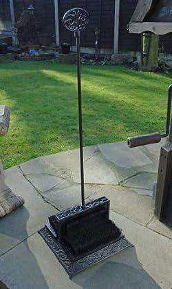 Metal garden foot scraper