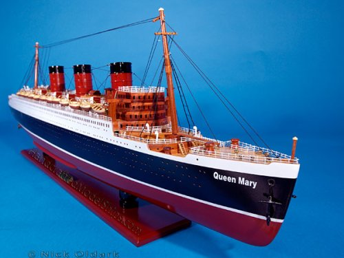 Queen Mary 32'' Cruise Ship Wood Model Fully Assembled Not a kit