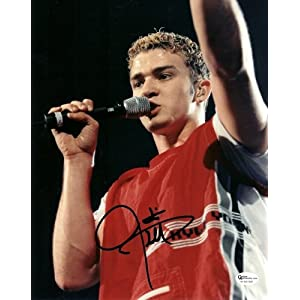 Justin Timberlake Nsync on Amazon Com  Justin Timberlake Autographed 8x10 Photo   Nsync  Sports
