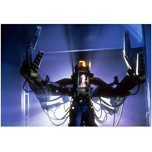 Sigourney Weaver 8 inch x10 inch Photo Ghostbusters Alien Avatar Face on Screen of Robot kn (Avatar Robot compare prices)