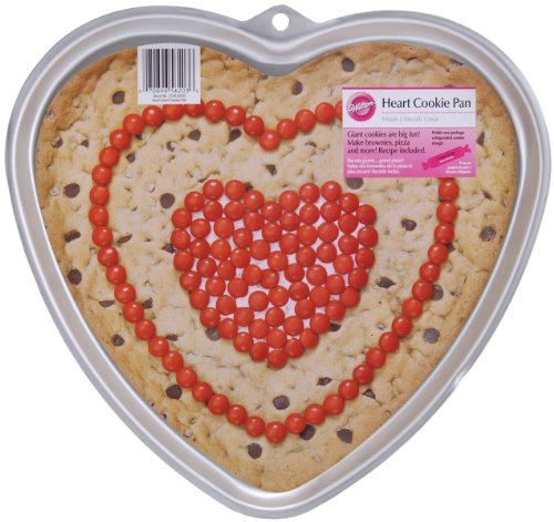 Wilton Heart Giant Cookie Pan (Heart Shaped Cookie Pan compare prices)