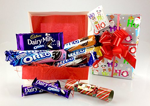 happy-oreo-christmas-gift-hamper-peanut-butter-chocolate-cream-golden-double-strawberry-mint-biscuit