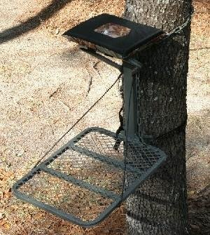 Hang on Lock on Deer Hunting Tree Stand 1 One Man