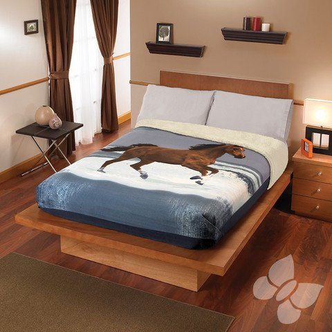 Twin Horse Comforter front-589908