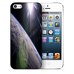 Snoogg Abstract Earth Printed Protective Phone Back Case Cover For Apple Iphone 5 / 5S
