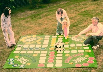 UKayed Giant Garden Ludo Game