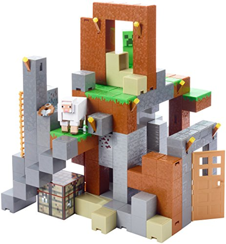 Minecraft Feature Playset and Figures, Creeper and White Sheep