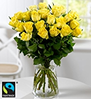 Fairtrade® 22 Yellow or White Roses