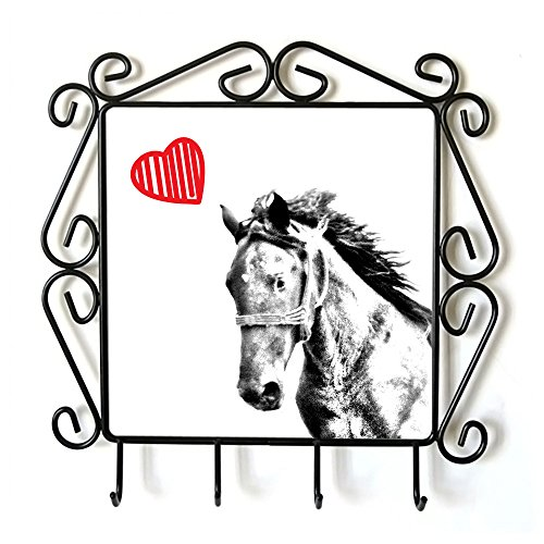 Mustang, Appendiabiti con l'immagine di un cavallo e cuore