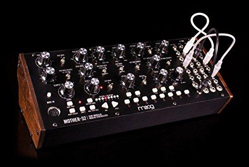 MOOG Mother-32 セミモジュラーシンセサイザー